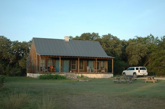 Hill Country Equestrian Lodge: The Lindig Cabin