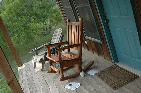 Hill Country Equestrian Lodge: The porch