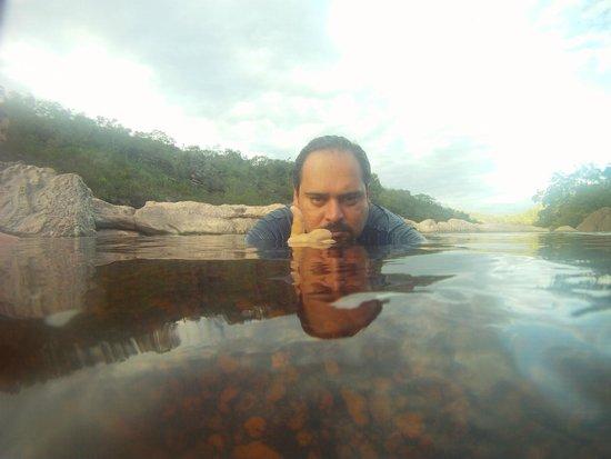 Ribeirao do Meio: Na piscina natural da cachoeira .