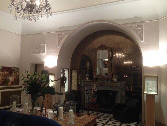 Maison Albar Hotel Nîmes Imperator : Lobby