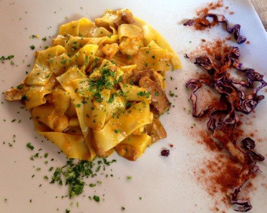 Osteria do Gobbi : Fettucine langoustine sauce poivron