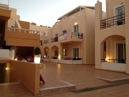 Nontas Hotel - Apartments: La vista sul nostro appartamento
