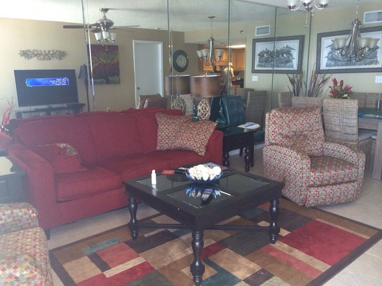 Phoenix V: Room 806 living area.