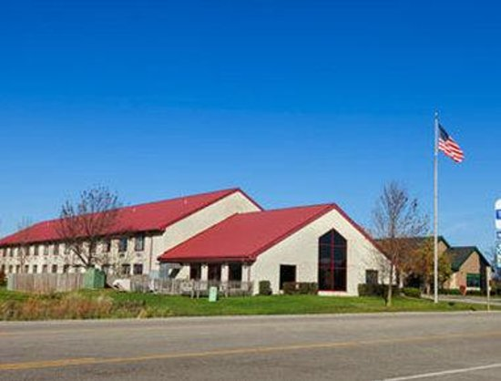 Quality Inn hotel in Sturtevant: Welcome to the Travelodge Sturtevant/Racine
