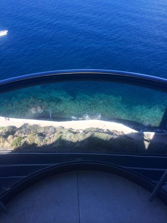 Gloria Palace Amadores Thalasso & Hotel: View from the glass lift!!