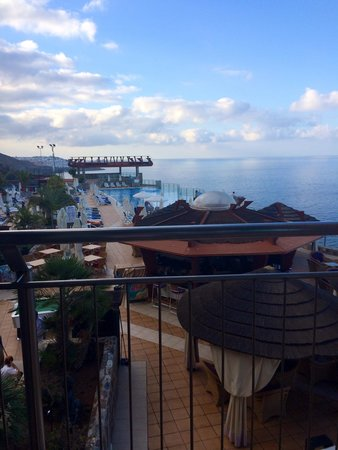 Gloria Palace Amadores Thalasso & Hotel : View if pool area