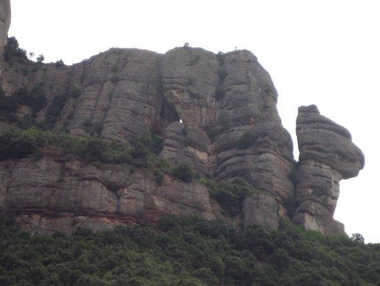 Hotel Golden Port Salou: The camel in the rocks in montserrat
