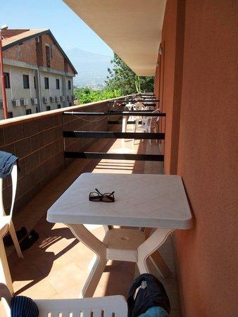 Villaggio Alkantara: Veranda