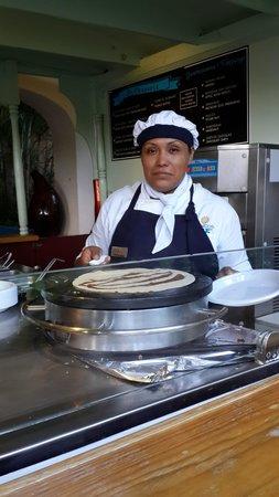 Sandos Playacar Beach Resort : Rosalinda y sus deliciosos panqueques