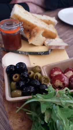 Charlie's Boathouse: Sharing plate starter