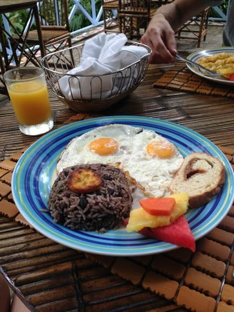 Hotel Plaza Yara: Breakfast :D