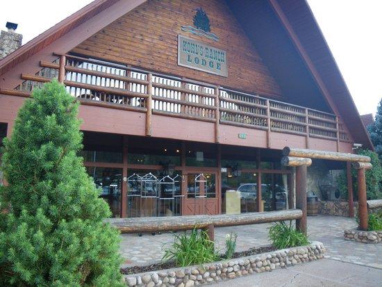 Kohl's Ranch Lodge: Main Lodge entrance