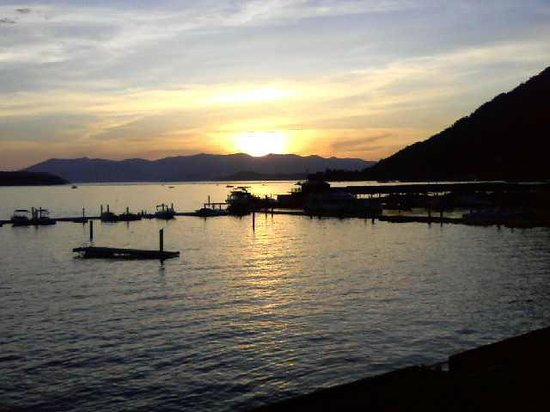 Pend Oreille Shores Resort: A typical sunset