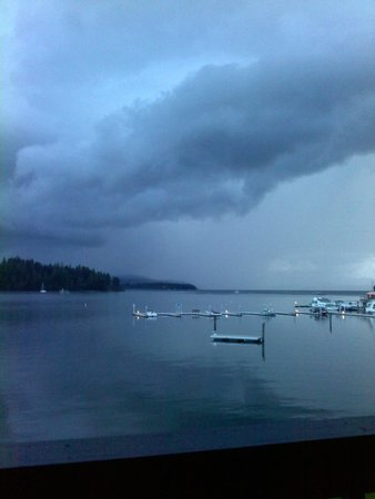 Pend Oreille Shores Resort: Love watching storms come in over the lake