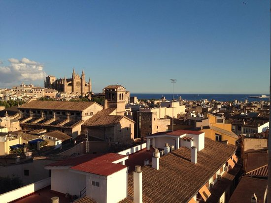 Almudaina Hotel: View over Palma from my room