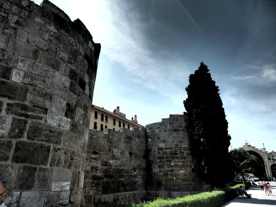 Roman Walls: Murallas
