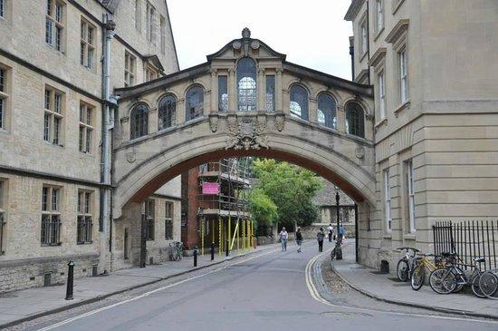 Footprints Tours Oxford: Bridge of sighs