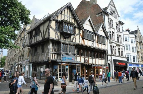 Footprints Tours Oxford: Oldest House