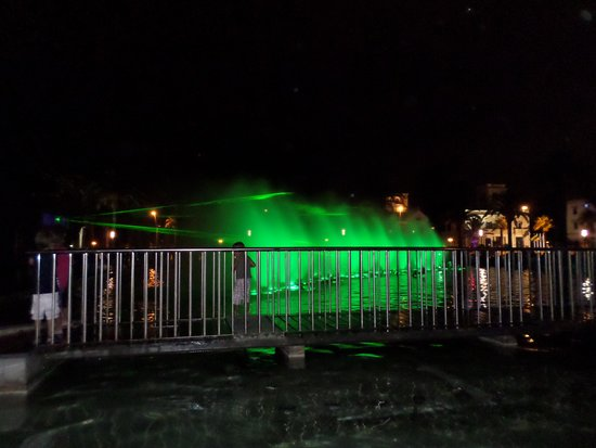 Hotel Golden Port Salou: Second fountain displace