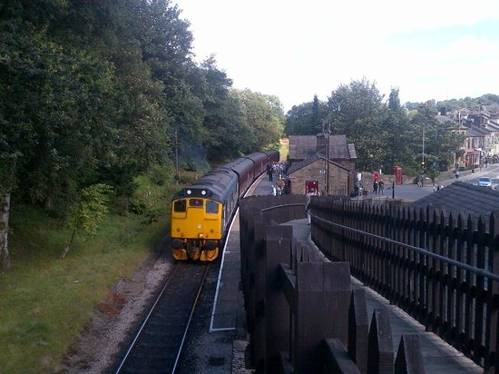 Keighley and Worth Valley Railway: view