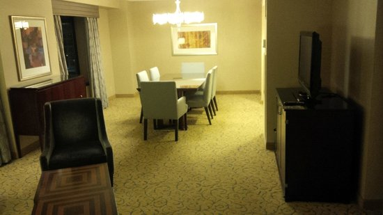 Renaissance Chicago Downtown Hotel: Great room to entertain