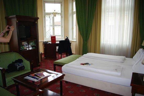 Hotel Beethoven Wien: gran habitacion