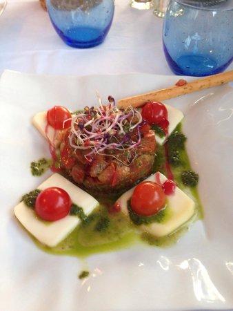 Le Clipper : Une tomate mozzarella revisitée comme entrée