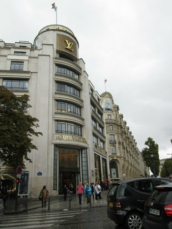 Champs-Elysees: Louis Vitton Flagship Store, Avenue des Champs Elysees, Paris, France