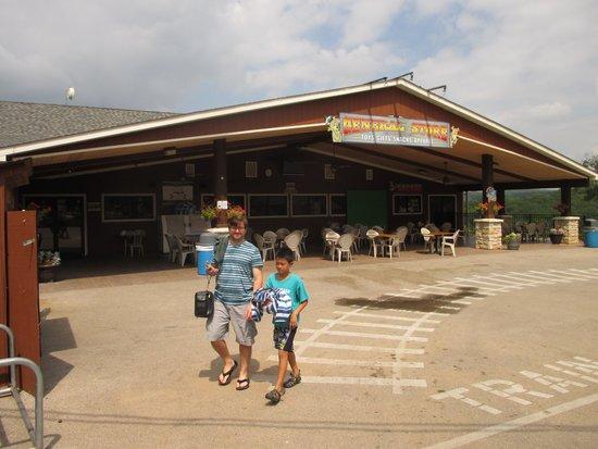 Yogi Bear's Jellystone Park: General store.