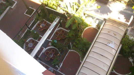 Masaru Apartments: El bar que tiene la terraza que abre hasta las 3 de la mañana
