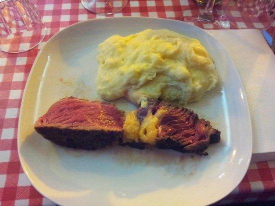 Le bouchouneir : Un morceau de côte de bœuf avec un très bon l'aligot