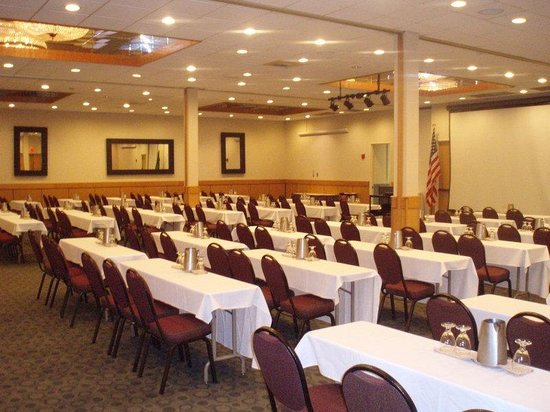 Best Western Plus Silverdale Beach Hotel: Classroom Style Banquets/Ballroom