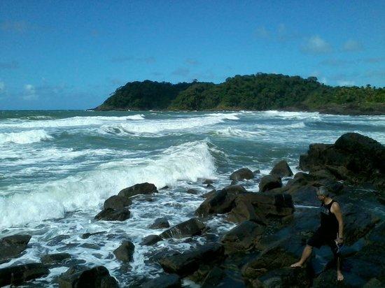Rezende Baech: vista das pedras, lado direito da Praia do Rezende