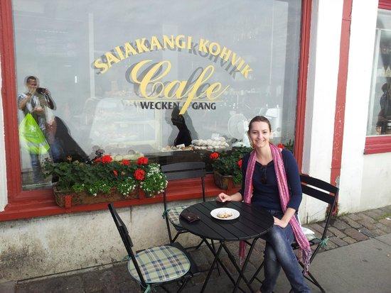 Saiakangi Kohvik Cafe Wecken Gang: Mesa externa