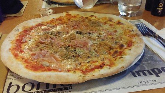 Spaghetteria Pizzeria Imperial: Pizza Imperial