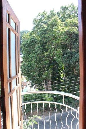 Kandy City Hostel : View from bedroom balcony door