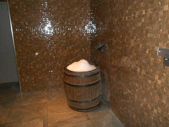 Macdonald Craxton Wood Hotel & Spa: The ice bucket