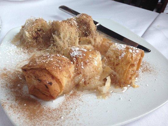 Trapezaria: YUM, Bougatsa! Best dessert!!