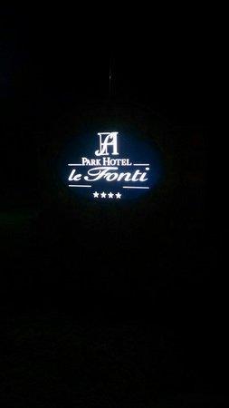 Park Hotel le Fonti: Insegna all'ingresso