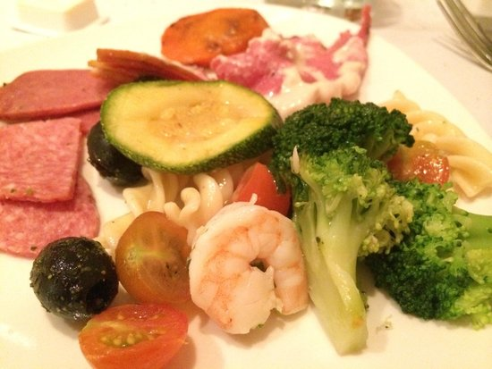 The Westin Lagunamar Ocean Resort Villas & Spa: average buffet food