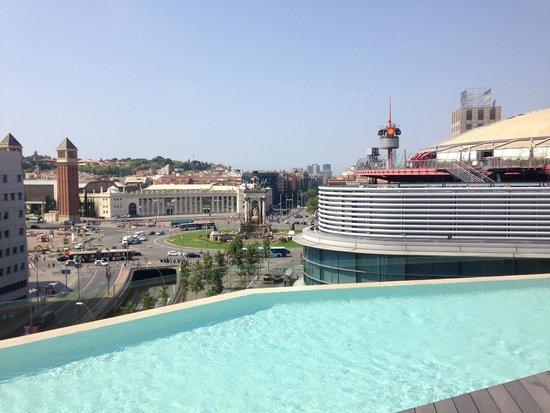 B-Hotel: rooftop pool