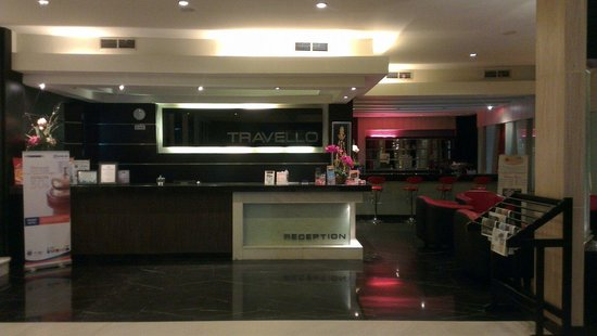 Travello Hotel Manado: Reception