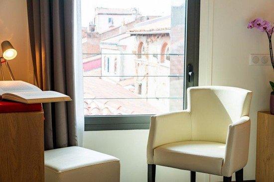 Père Léon: guest room