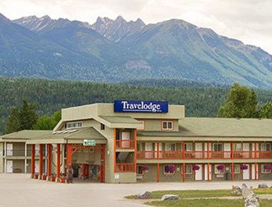 Welcome to the Travelodge Golden Sportsman Lodge