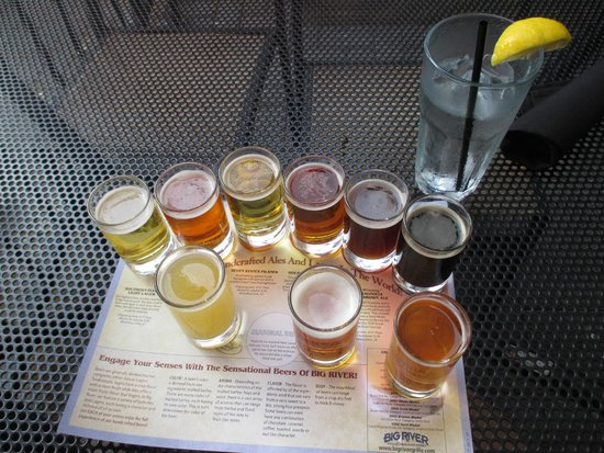 Big River Grille & Brewing: The sampler flight of beers for $6 were all good