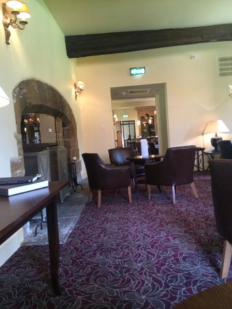 Fawsley Hall Hotel & Spa: Snug area