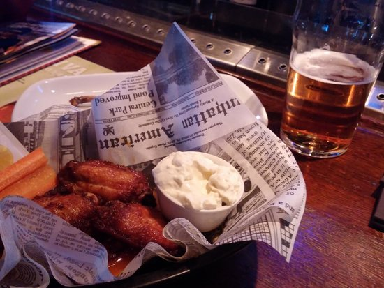 Sports Academy : Finnish beer with Hot wings
