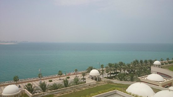 Jumeirah Zabeel Saray : View from our rooms balcony