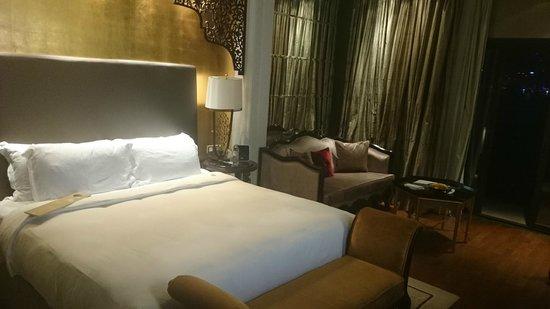 Jumeirah Zabeel Saray: Our bedroom