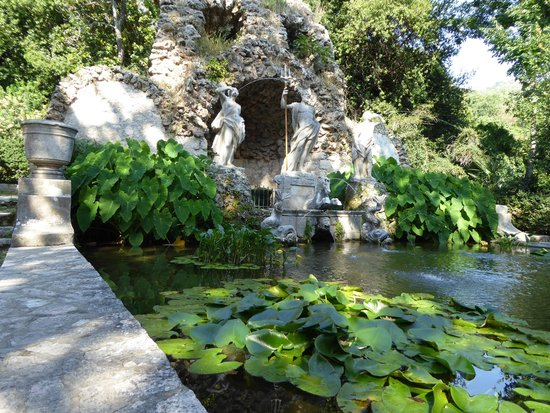 Trsteno Arboretum: viaduct feeds this feature to irrigate parts of the garden